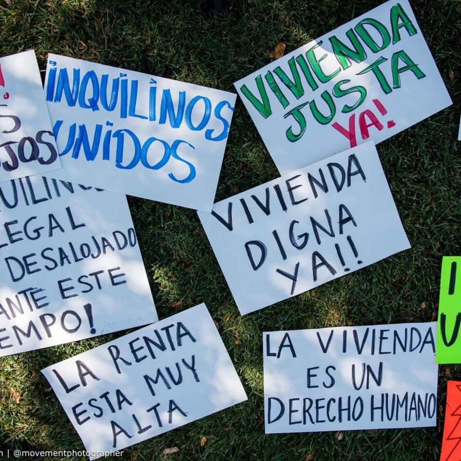 Signs (in Spanish) for Raise the Roof Caravan for Renter Protections